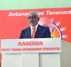 Mairie d'Antananarivo - Des sénateurs appellent à voter pour Naina Andriantsitohaina