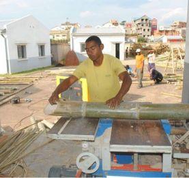Transformation du bambou à Madagascar - Les produits importés supplantent la production locale